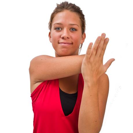 7811141d Tag højre arm rundt om halsen, så hånden lander omme på ryggen.